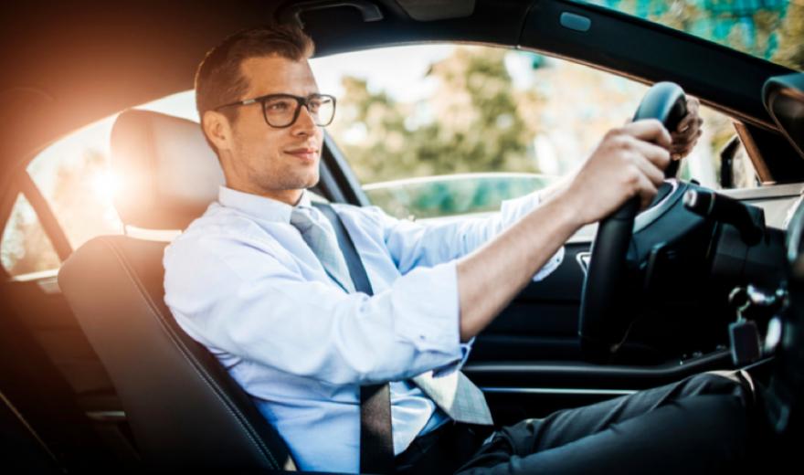 Vídeo: Saiba como escolher o óculos para dirigir sem erros!