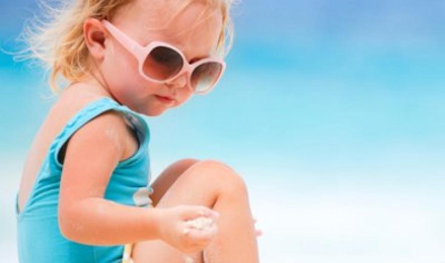 Vídeo: Cuidados com os olhos das crianças no verão
