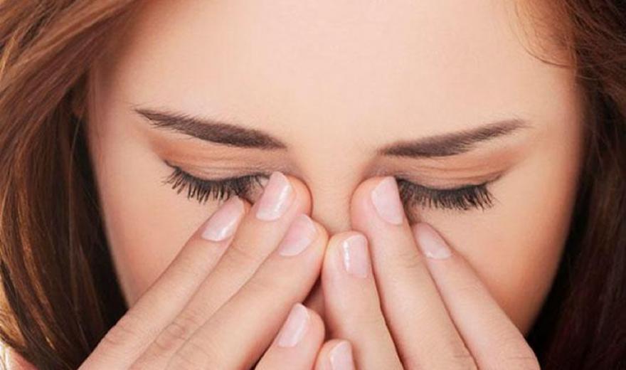 Vídeo: Poucas lágrimas e seus efeitos nos olhos