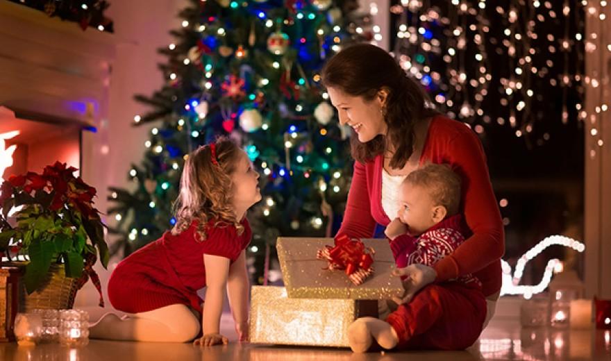 Vídeo: Aprenda a comprar brinquedos seguros neste Natal. 5 cuidados que evitam acidentes com presentes e embalagens